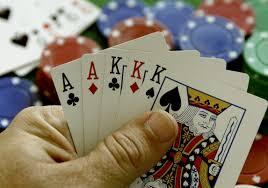 Όταν λέμε… Μόνο στο καζίνο να παίζετε χαρτοπαίγνιο δε αστιευόμαστε… Εκεί δεν καταστρέφονται οικογένειες! Ενώ στον καφενέ του χωρκού σας… ναι!